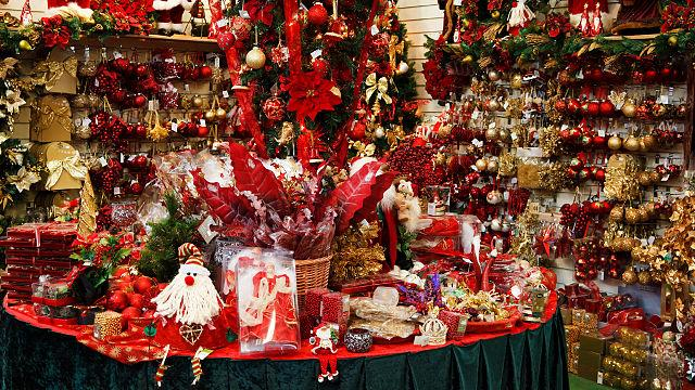 Christmas+decorations+for+sale+in+a+Christmas+shop