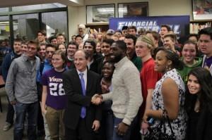 Minnesota Viking helps spread financial literacy
