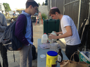 Enterprising student starts coffee during Starbucks closure