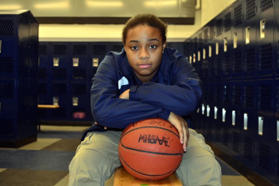 Southfield+High+School+senior+Ro%27Kiya+Parker+says+she+didn%27t+see+it+coming+when+she+was+cut+from+the+varsity+girls+basketball+team+in+her+senior+year.+She+says+she+will+still+have+a+spot+on+the+track+team.+%22They+don%27t+cut+anybody.%22