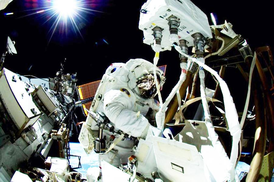 Astronaut alum beams answers from space