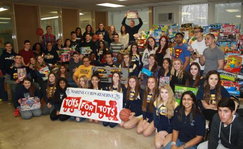 Colonia High collects toys for the less fortunate