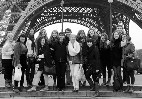 Students travel to France for study abroad experience