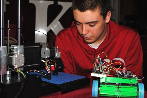 Junior pursues mechanical engineering with a 3D printer