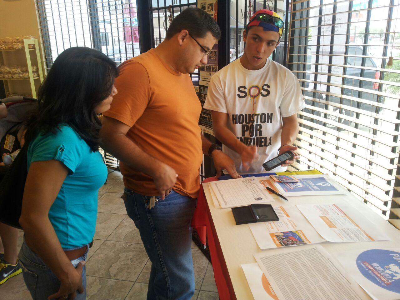Junior champions for human rights in Venezuela