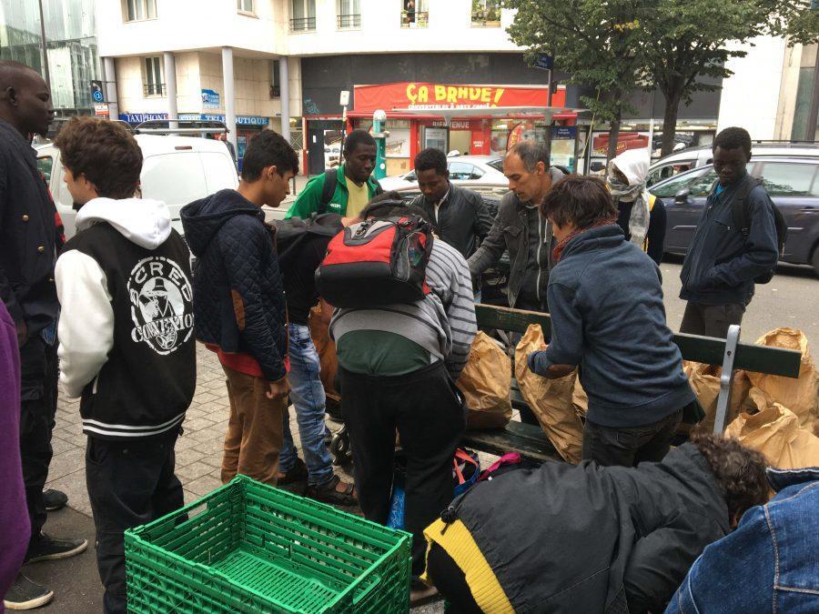 Day+after+encampment+sweep%2C+refugees+return+to+central+Paris