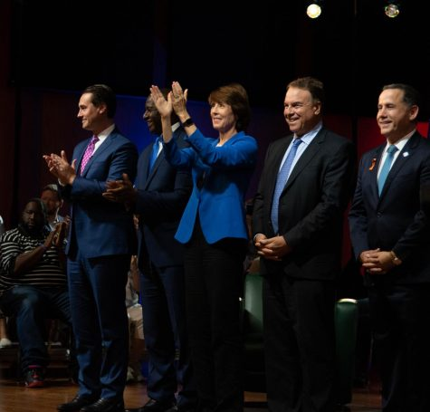 Democratic hopefuls thank the audience for their time.