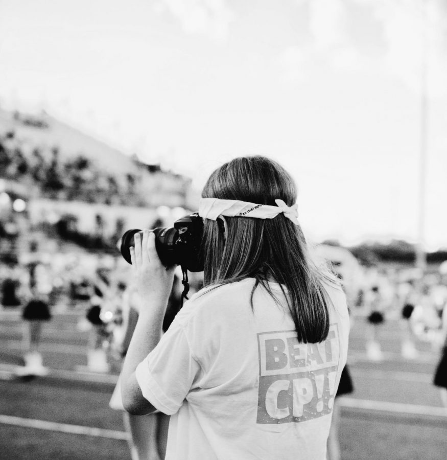 Student photographer Elaina Eichorn captures precious Vandegrift memories