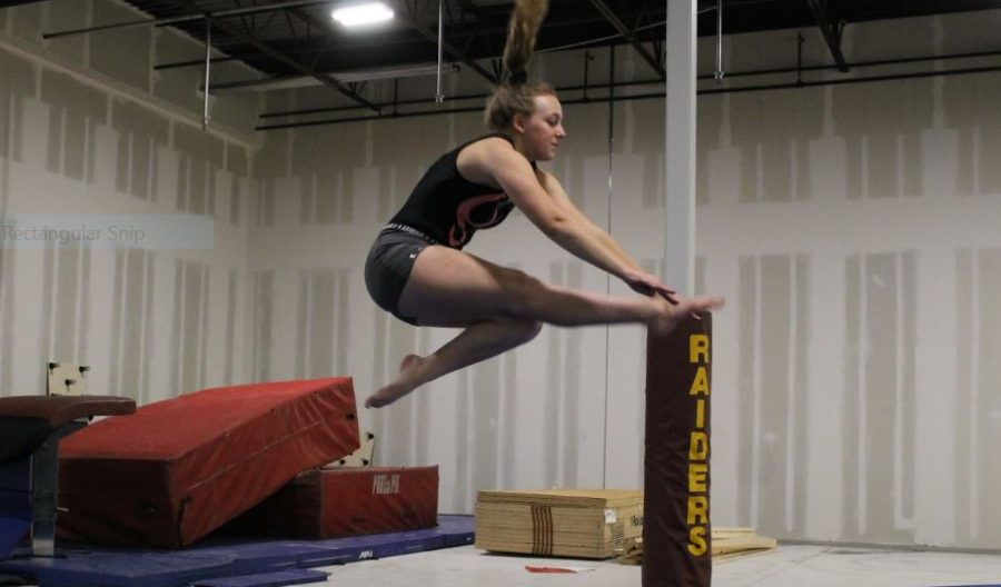 Saundra+Stodden+prepares+for+her+upcoming+gymnastics+meet.
