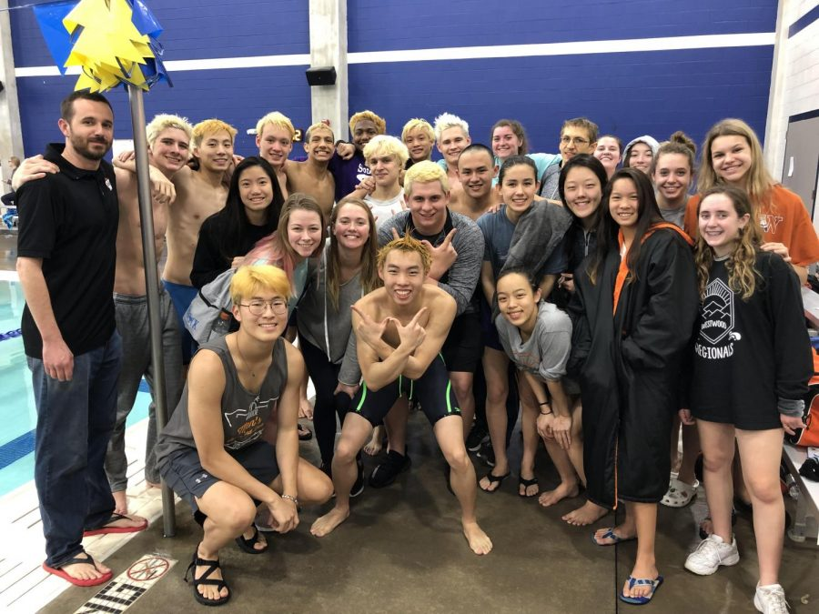 The team poses together after the meet.