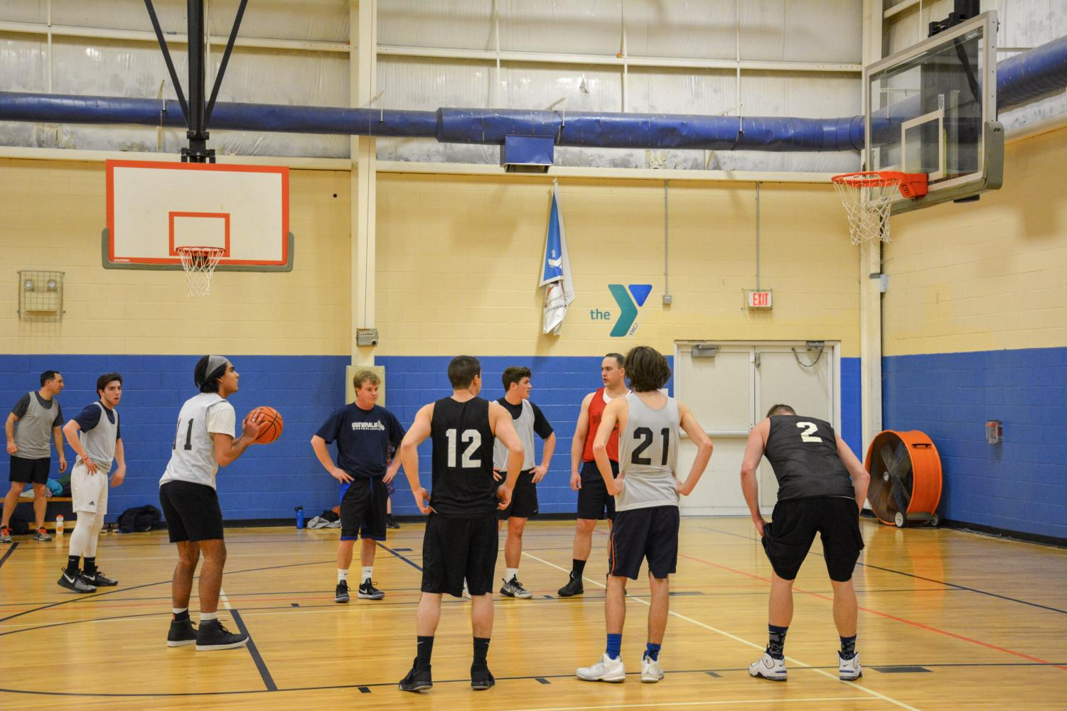 Dimitri Lara ('19) at the line with teammates looking on. The Fleet could really use these points.