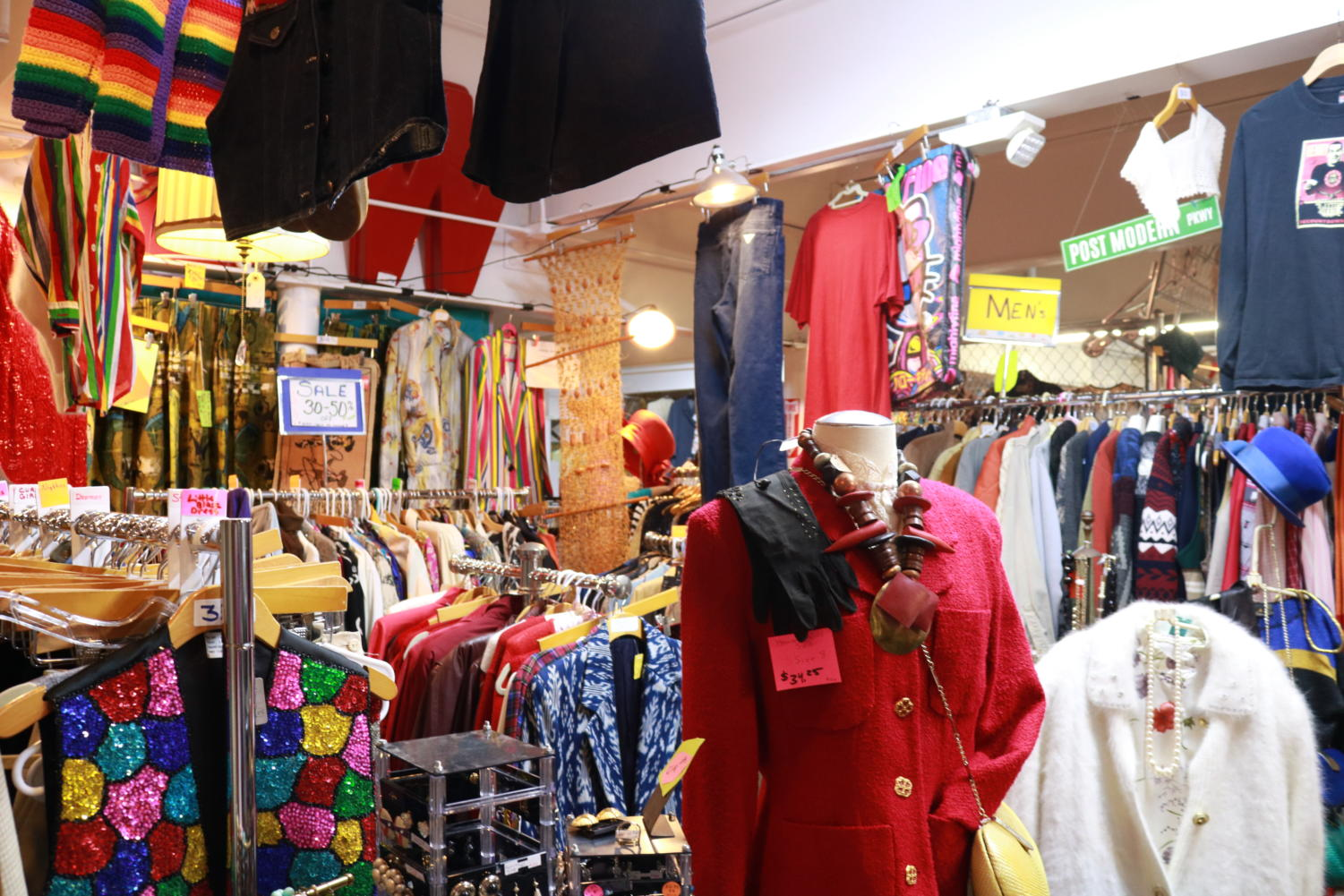 Lula B's Oak Cliff Antique is one of the many thrift stores in the Metroplex, and is located 1982 Fort Worth Ave in Dallas. The popularity of thrifting has significantly increased over the past few years, with the environmental future of the world at the forefront of many minds.