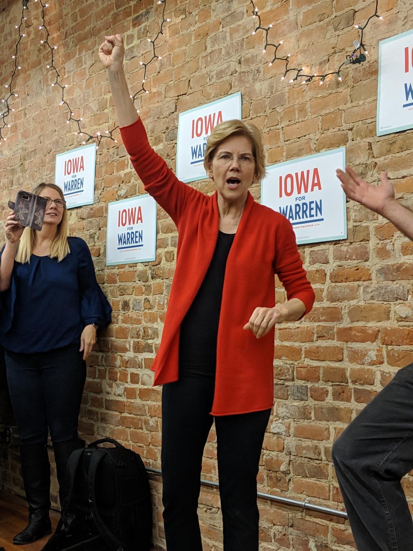 Presidential candidate Sen.Elizabeth Warren exhorts the crowd at an Iowa rally