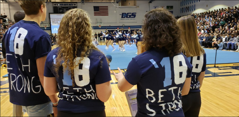 Students honor Beth Dunlap through #18for18