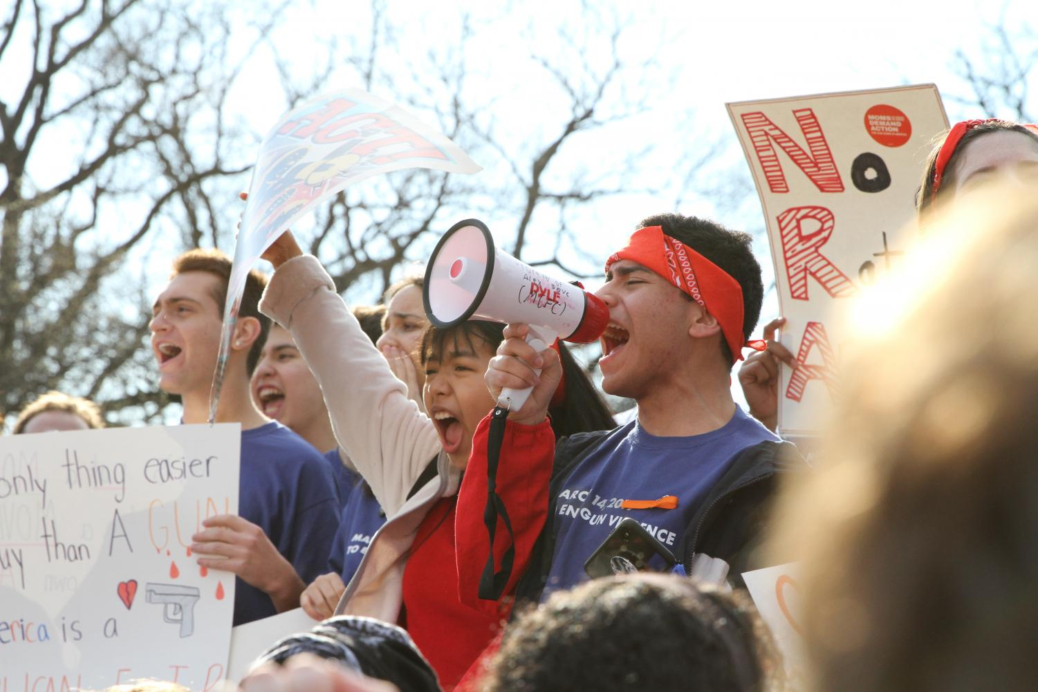 MoCo Students for Change members led thousands of local middle and high school students in a walkout Mar. 14. The walkout was in support of a bill in the Senate that would require background checks for all gun purchases.