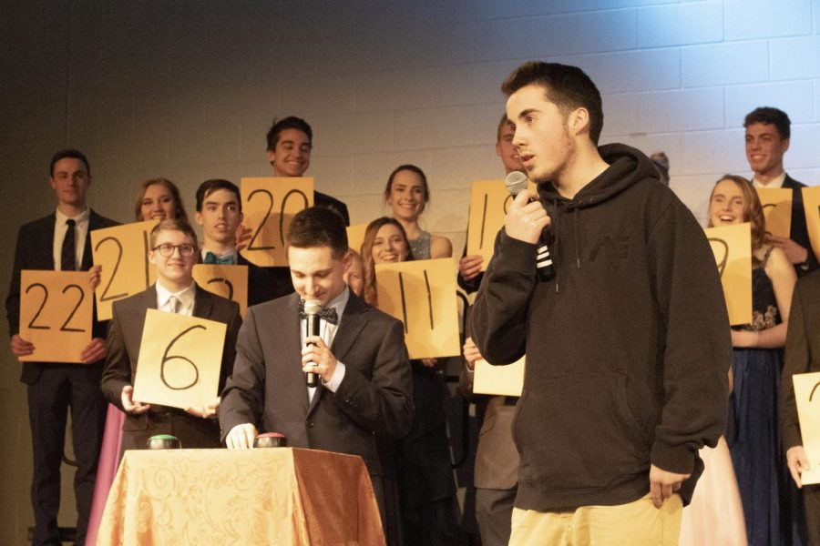 Deal or No Deal starts new tradition, sends senior home with $100