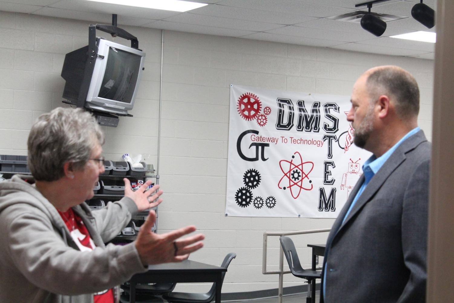 Tammy Bennett, STEM teacher, talks about her program during Sen. Paul Scott's tour of Duncan Middle School