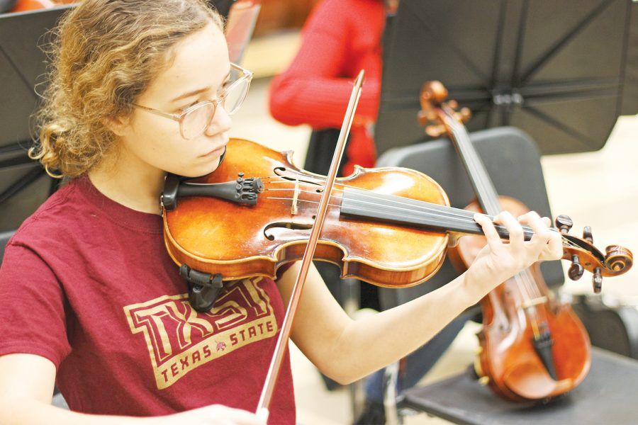 Orchestra student learns composition, pursues career – Best
