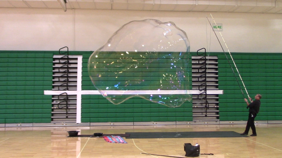 "Students help ""pop"" world record for largest bubble"