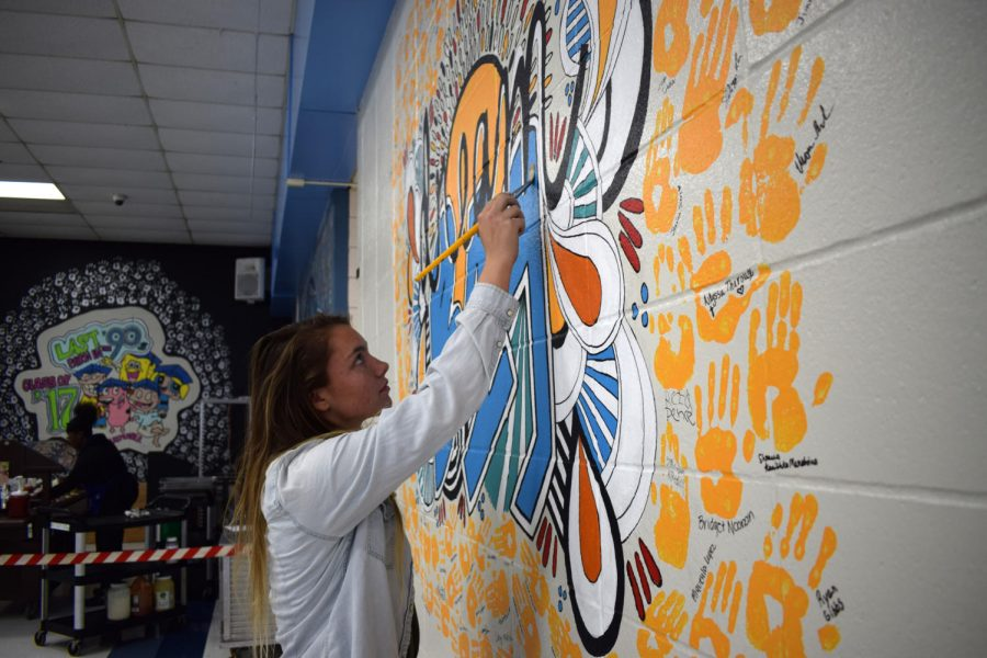 Students redesign hand wall after controversy – Best of SNO