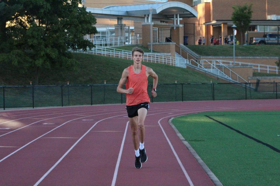 Martin Strong races towards the finish line, preparing for the upcoming track season.