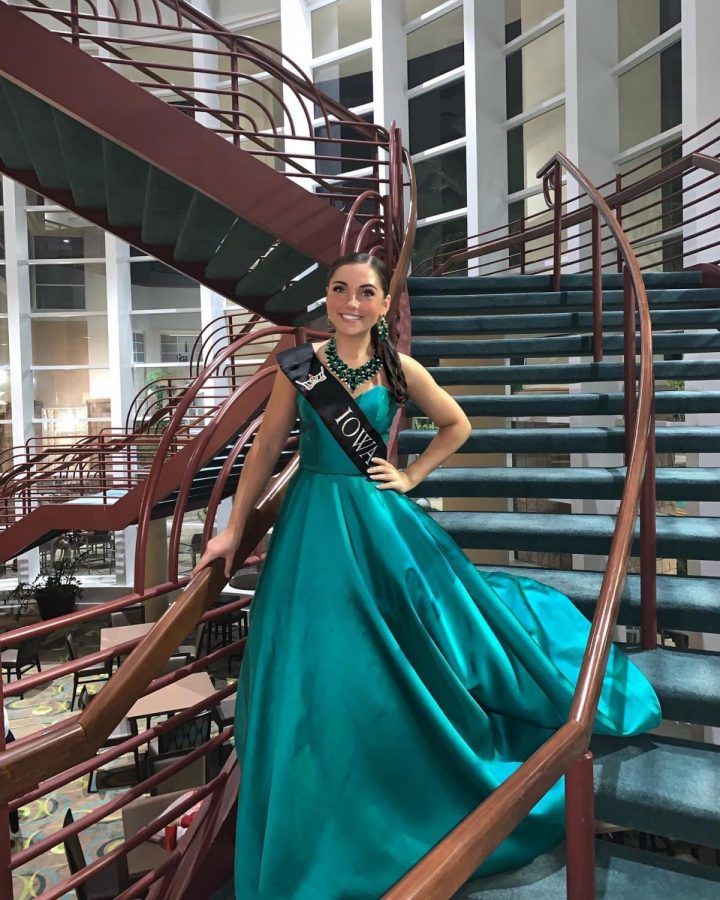 Caitlin+Crome+poses+at+the+Miss+America+pageant+in+Orlando%2C+Fla.+in+July%2C+one+month+after+she+was+crowned+Miss+Iowa%27s+Outstanding+Teen.