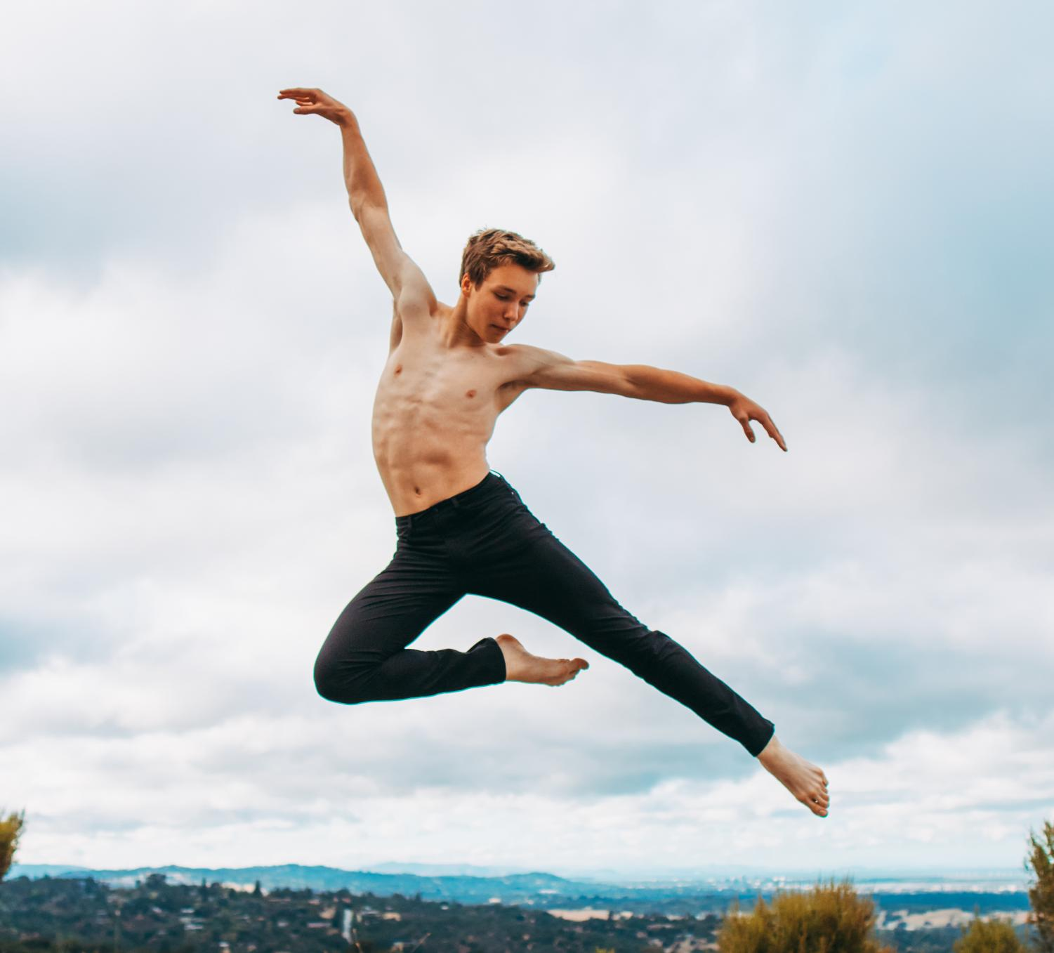 Junior Ezra Tock is one of the only male dancers at Los Altos. Despite being looked down upon by those who believe masculinity and ballet do not mesh with one another, Ezra continues to dance proudly and master his craft.