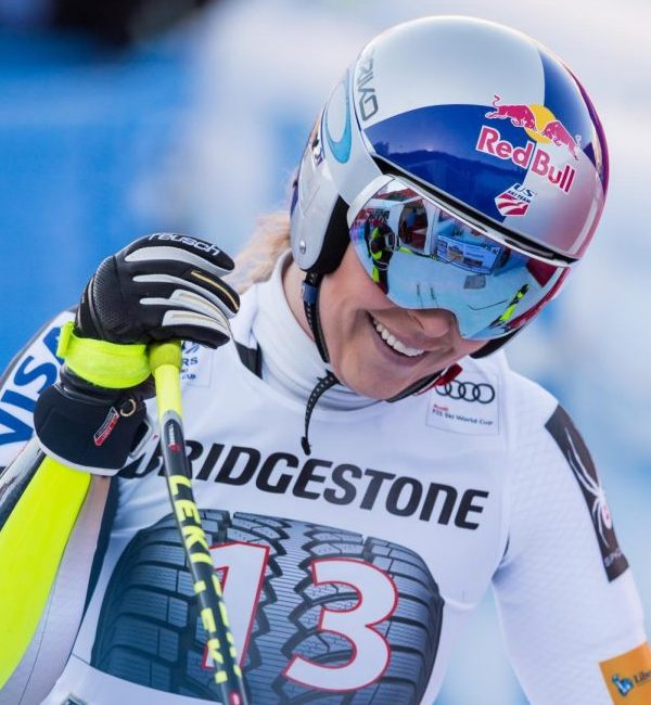Lindsey+Vonn+is+said+to+be+the+most+award-winning+female+skier+of+all-time%2C+so+why+do+people+care+if+she+is+smiling+in+a+photo%3F