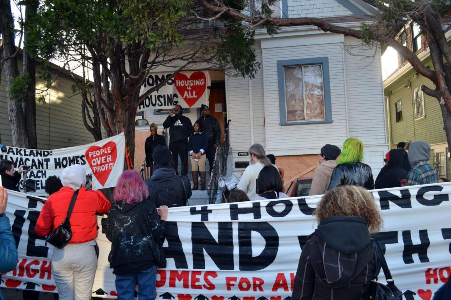 Activist group Moms 4 Housing wins right to stay in Oakland house, protests Bay Area housing crisis