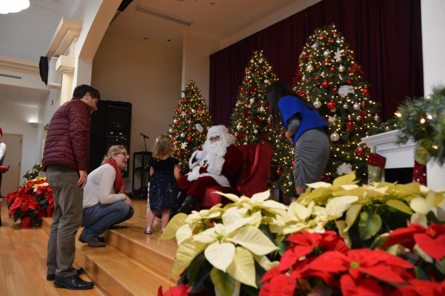 Signing Santa: City of Cupertino hosts Christmas event allowing deaf and hard of hearing children to interact with Santa