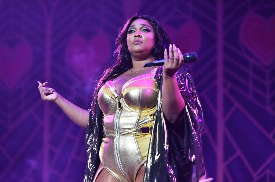 Lizzo+displaying+her+%22I+Don%27t+Care%22+attitude+on+stage+at+a+performance.