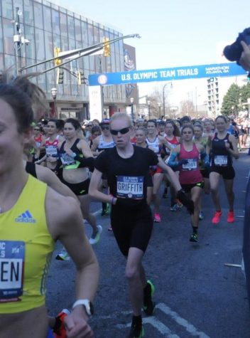 STARTING STRONG: Alumna Gracie Griffith starts the race near the front pack at the Olympic Marathon Trials on Feb. 29. She finished the race in 95th place overall after being seeded 448 out of 465 athletes on race day, earning a new personal record (PR) of 2:43:36, shaving one minute and 16 seconds off her qualifying time.