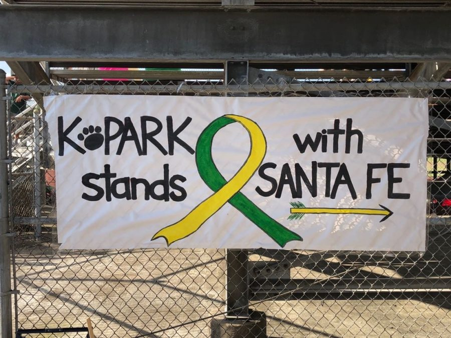 Sign+made+by+Kingwood+Park+High+School+in+support+of+Santa+Fe+during+the+baseball+game