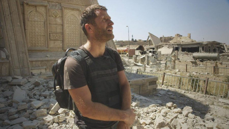 Journalist+Ben+Anderson+stands+among+bombed+ruins+in+Mosul%2C+Iraq.+