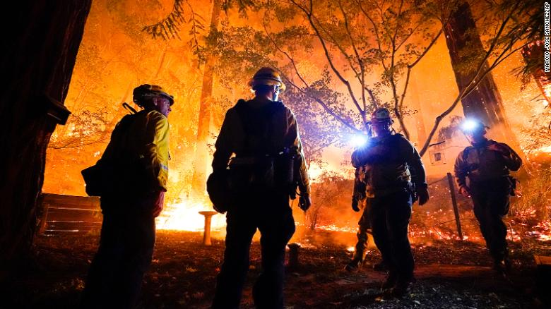Image+from+CNN.com.+Fires+rage+in+Boulder+Creek%2C+California+on+August+21.++