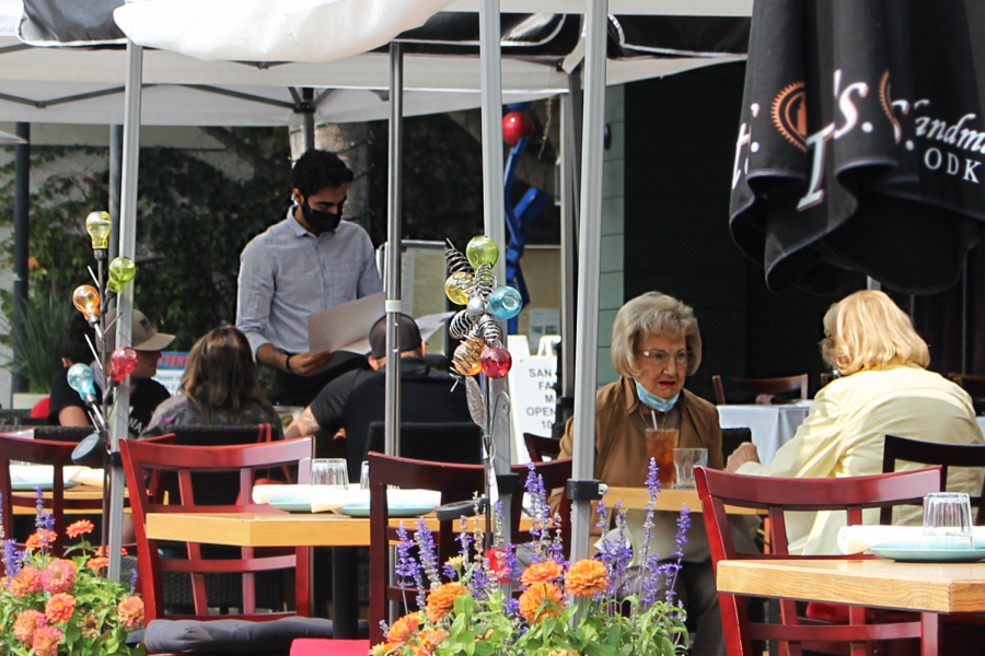 Dining outdoors leaves individuals responsible for own safety