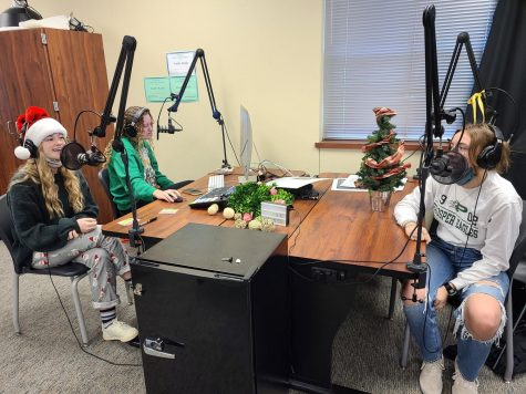"Seniors Caroline Wilburn, Maddie Moats and junior Christi Norris discuss different holiday topics. ""It"