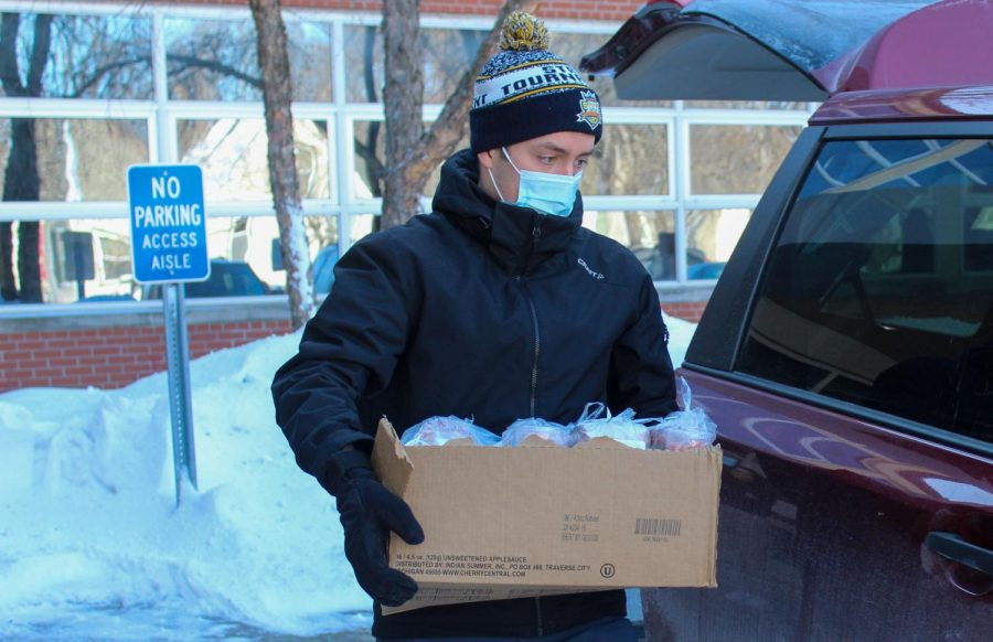 Danny Walsh organizes donation drive of federally-funded meals