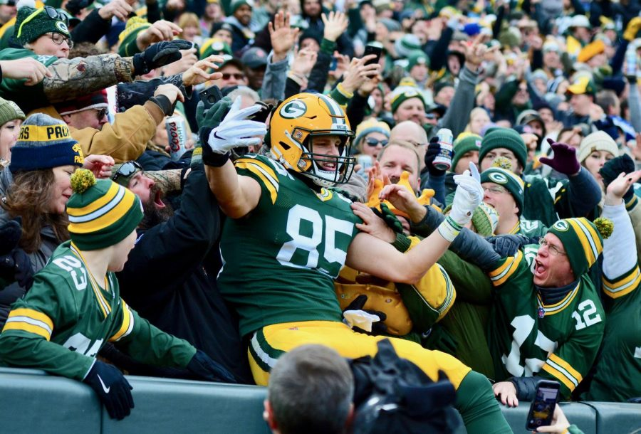 As+a+Warrior%2C+Tonyan+set+the+school+record+for+passing+yards+with+5%2C000+and+was+named+to+the+All+Conference+team+as+a+junior+and+senior.+Now+a+Green+Bay+Packer%2C+Tonyan+tied+for+fifth+in+the+league+in+touchdowns+during+the+2020+season.