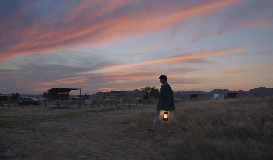 """""""Nomadland"""" takes command of Chloé Zhao's intimate direction and Frances McDormand's heartfelt performance"""