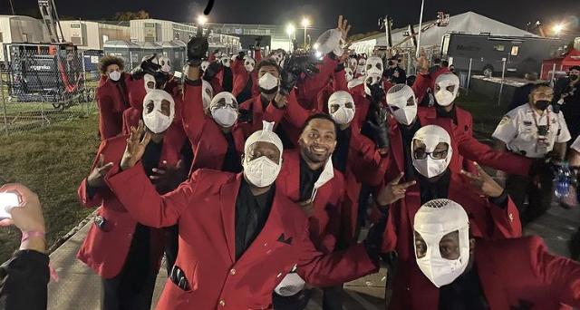 Q&A: Robinson alumnus performs at the Super Bowl