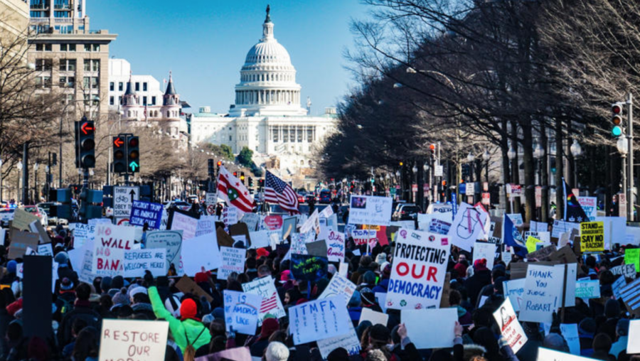 Anti-Trump+protesters+rally+outside+of+the+Capitol+in+opposition+to+the+Trump+supporters+who+rioted+at+the+Capitol+on+January+6th%2C+2021.+Creative+Commons+photo%3A+Ted+Eytan+on+Flickr.