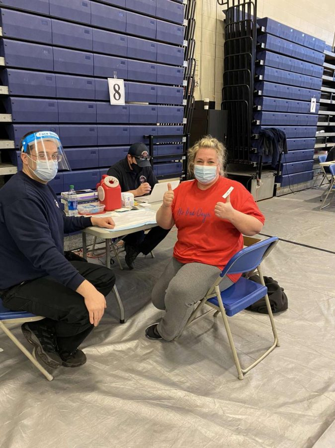Londonderry School District teachers, staff get vaccinated