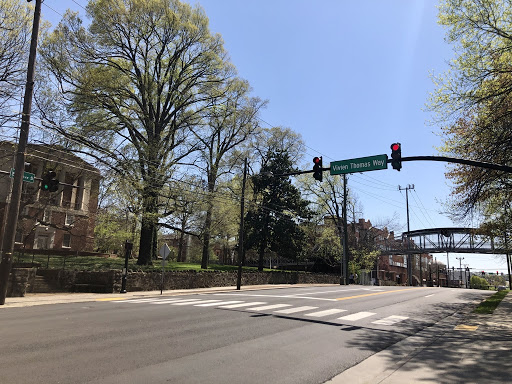 Intersection of Vivien Thomas Way and 21st Avenue South. (Hustler Staff/Ryan Suddath)