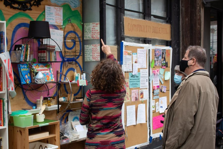 The+Free+Store+on+45th+and+Ninth+Avenue+was+created+as+a+way+to+foster+sustainability+and+mutual+aid+within+the+Hells+Kitchen+community.