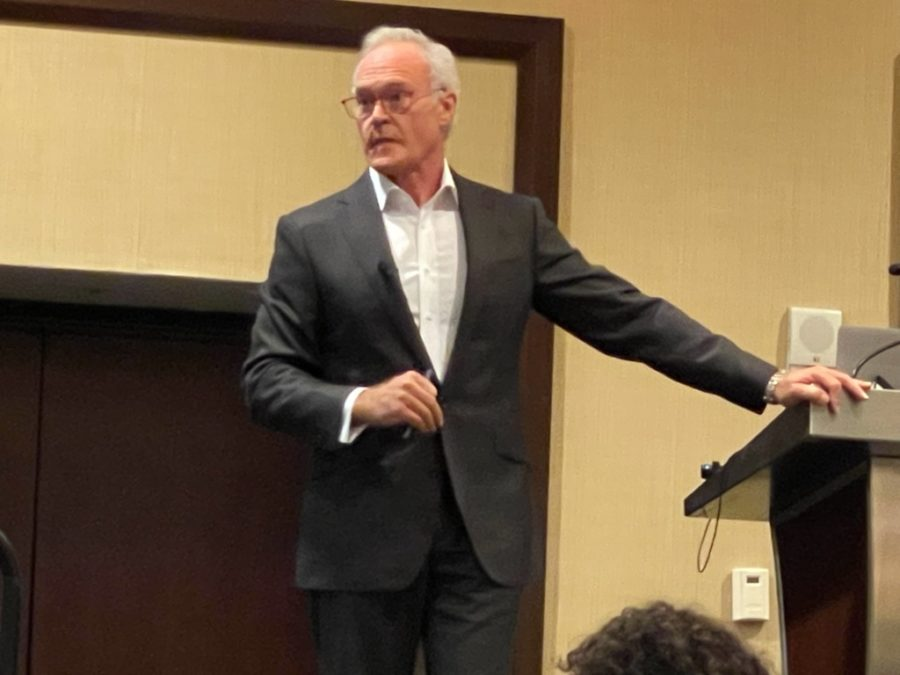 '60 Minutes' reporter Scott Pelley on giving 'voices' to those who are 'voiceless'